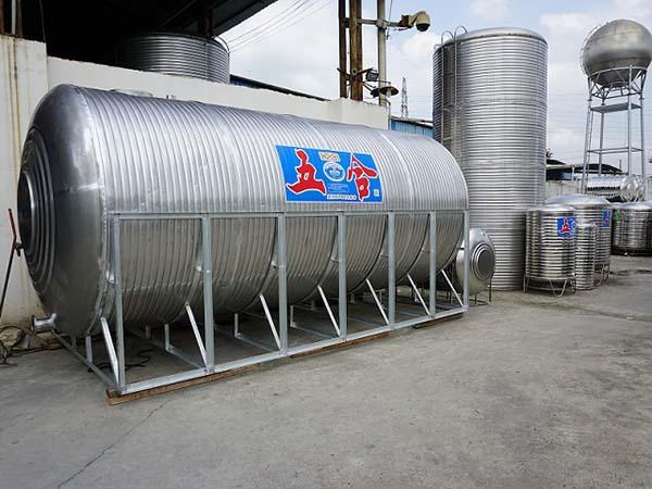 广西不锈钢圆柱形水箱
